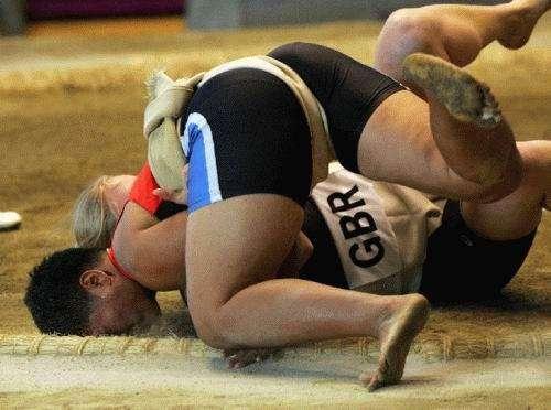 Сумо.. красивий вид спорту (24 фото)